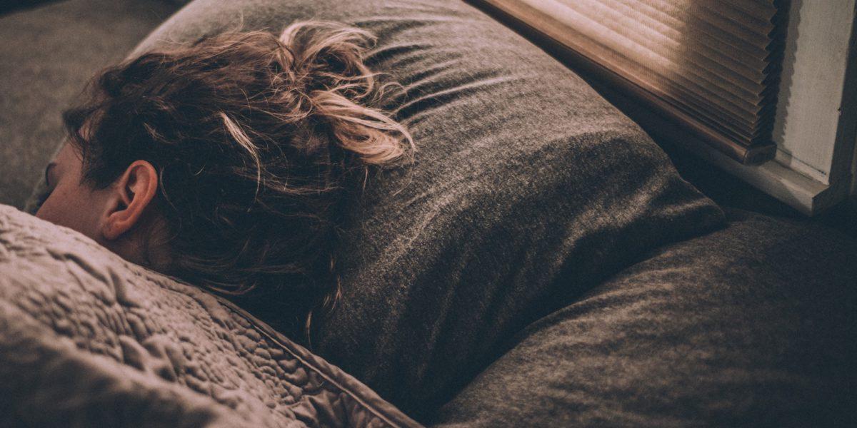 spící dívka SA